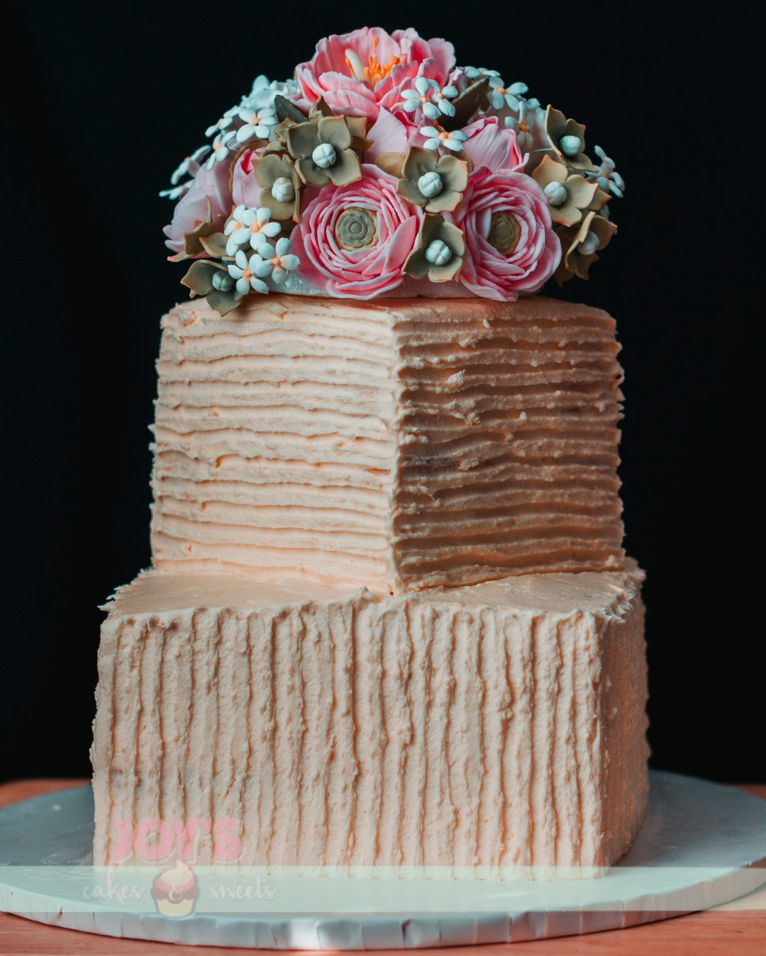 Rustic Cake with Sugar Flower Bouquet